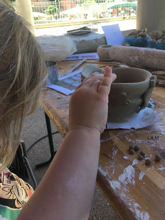 atelier de poterie enfant